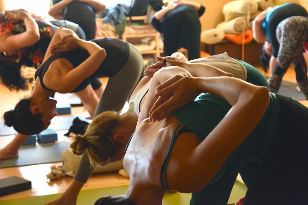 Cours de yoga à Nantes de type yoga vinyasa