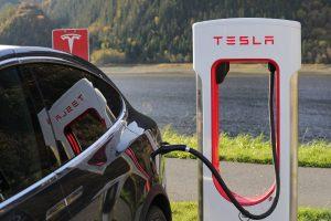 Véhicule électrique Tesla